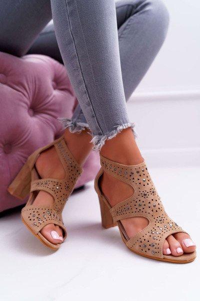 1f739e798d295 Dámské Sandály Na Podpatku s výřezy Lu Boo Camel Things